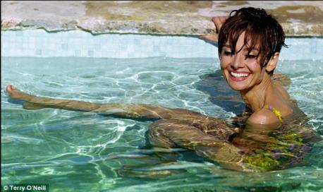 1-audrey-hepburn-swimming-pool.png