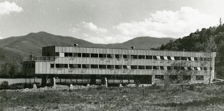 1-thestudies-building-early1940s-b870f029356f40f099af70afe88d5e6b