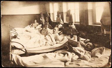 800px-world_war_i_hospital_patients