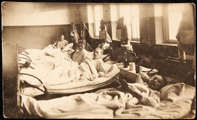 800px-world_war_i_hospital_patients