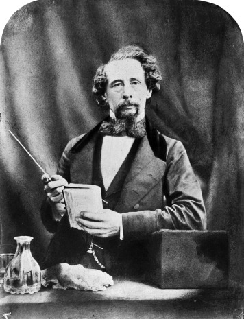2006bb2609_charles_dickens_photograph