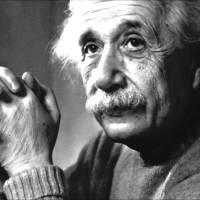 """Άλμπερτ Αϊνστάιν:""""Ποτέ δεν σκέφτομαι το μέλλον. Έρχεται αρκετά σύντομα."""""""
