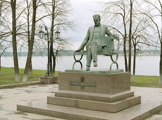 tchaikovsky-statue