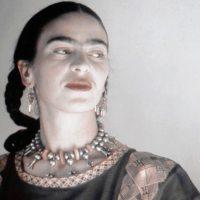 """Φρίντα Κάλο: """"Γεννήθηκα σκύλα. Γεννήθηκα ζωγράφος."""""""