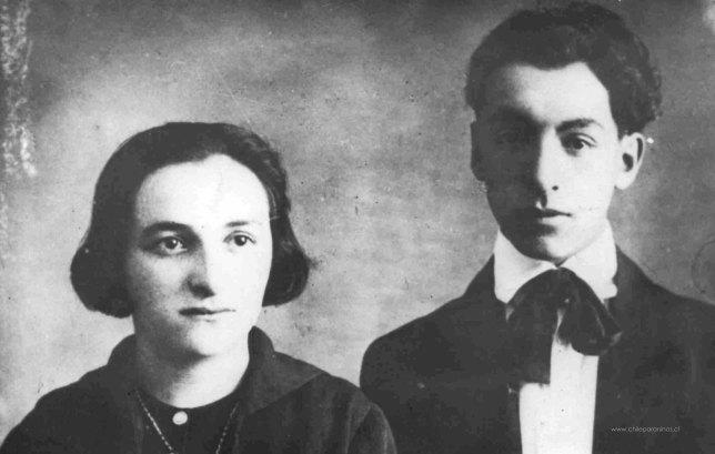 Pablo_Neruda_y_su_hermana_(1916)