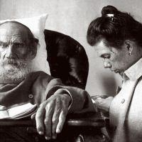Λέων Τολστόι: ο αναρχικός ευγενής που χάρισε όλη του την περιουσία