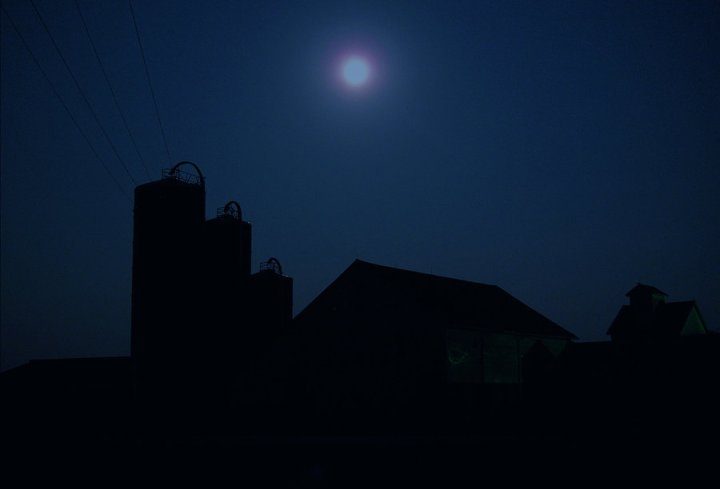night_farm_by_harrietsfriend-d566u90.jpg