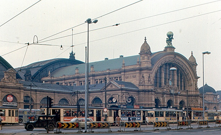 Frankfurt_-_Hauptbahnhof_(1970)
