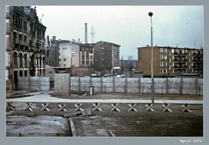 hilfe-berlin-west-1971-wie-heisst-die-strasse-wo-das-aufgenommen-wurde-7227ff3c-44d9-42aa-affc-fc4a1192921c