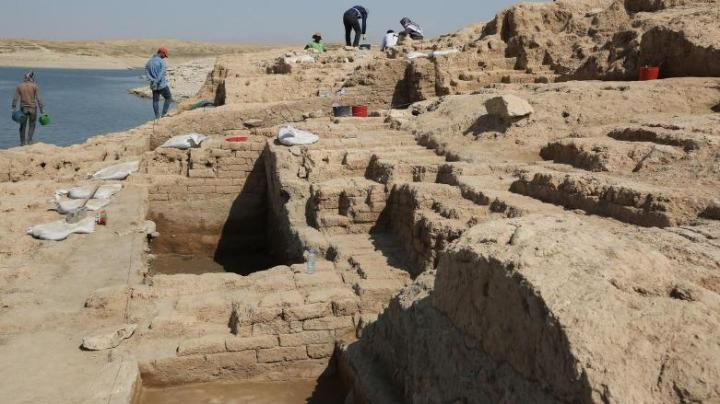 archaeologists-uncover-ancient-palace-mosul-dam-kurdistan-24